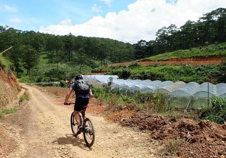 mountain biking in Da Lat - Vietnam