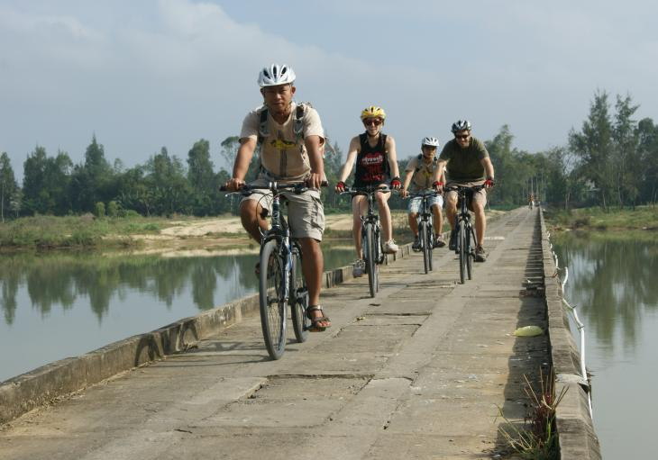 cycling and biking from Hoi An to My Son Sanctuary